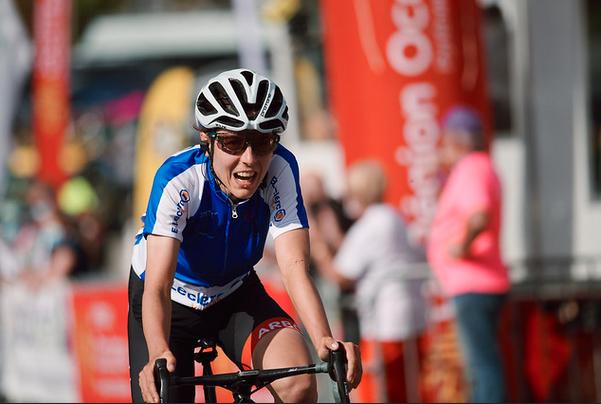 Tour d'Ardèche féminin. Magnifique performance d'Anna Kiesenhofer